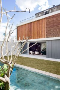 Brazilian Retreat With Two Gardens And A Generous Rooftop ...