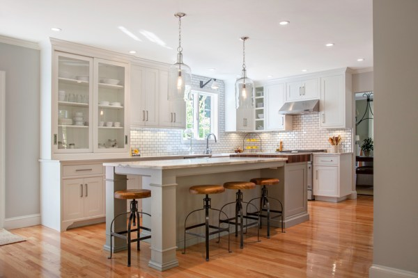 farmhouse kitchen island lights 40 Elements To Utilize When Creating A Farmhouse Kitchen