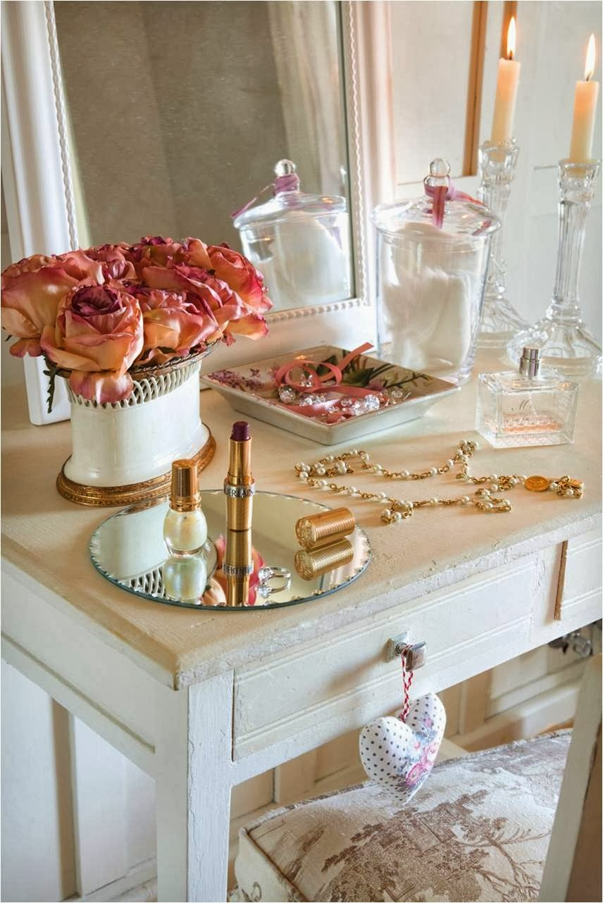 Vanity Organizer Ideas and Styling Techniques For Your Personal Space