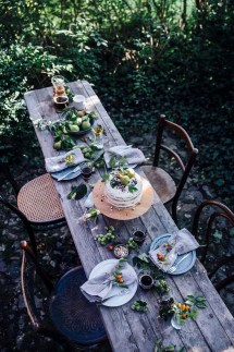 Amazing Outdoor Tablescapes Make Host
