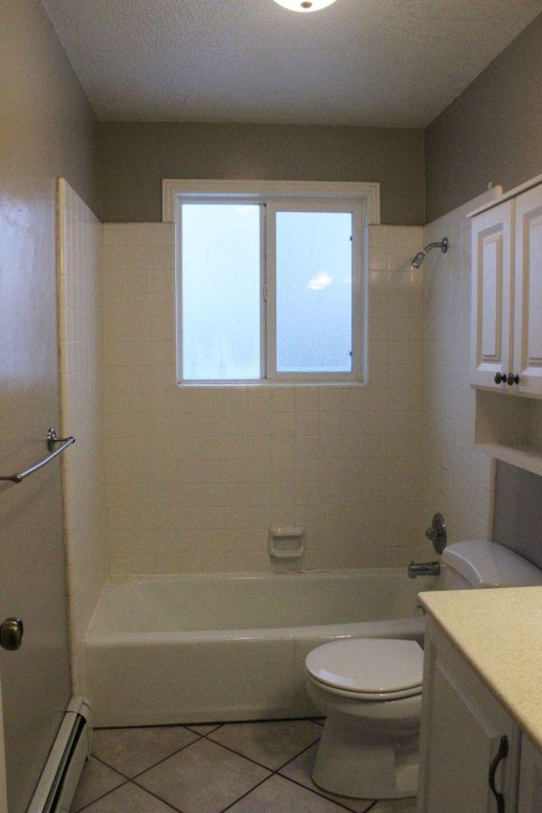 Bathroom Tile Tub Surround