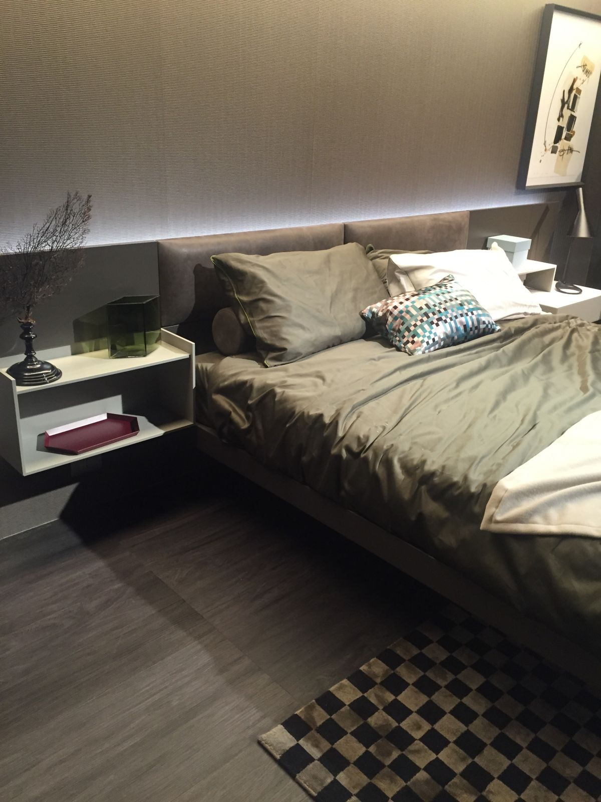 How To Successfully Use Gray In The Bedroom