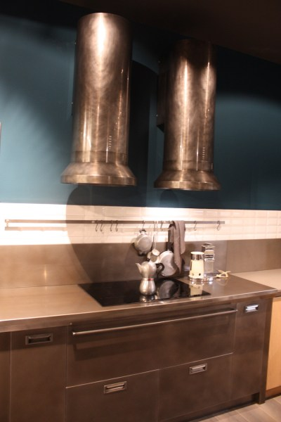 industrial kitchen hood in Stylish Options for Kitchen Hoods from EuroCucina