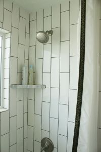 DIY Bathroom Makeovers: Step-by-Step Tutorials