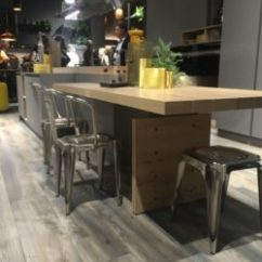 Kitchen Island Counter Tall Chairs Modern Ideas That Reinvent A Classic