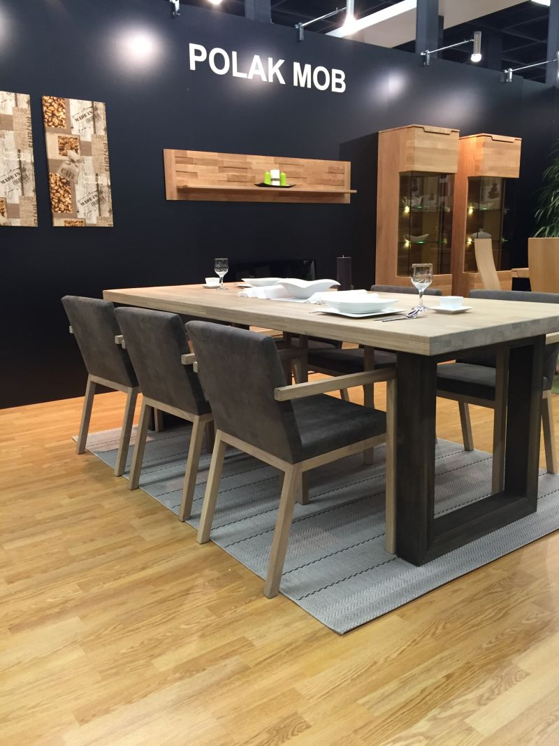 Polak mob dining table