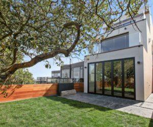 A Sleek, Modern Home with Views Over the San Francisco Skyline