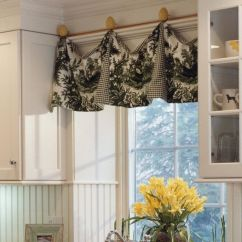 Kitchen Curtains Ideas Marble Top Island These 20 Will Lighten Brighten And Restyle Instantly Peekaboo Prints Curtain