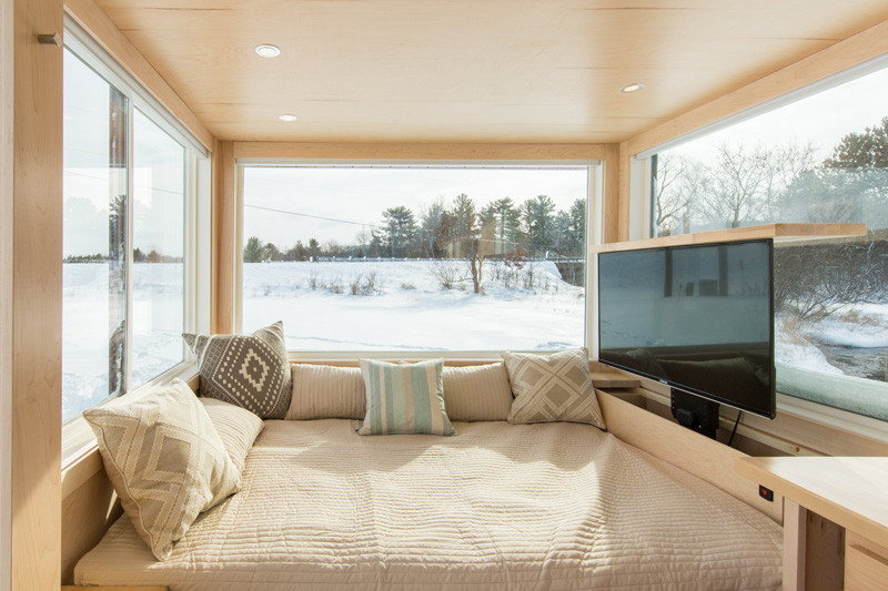 Small tiny home on wheels tv pull out