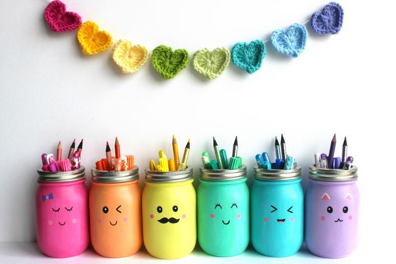 DIY mason jars pencil painted