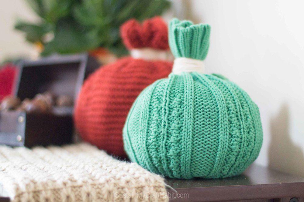 Gloves pumpkin decor