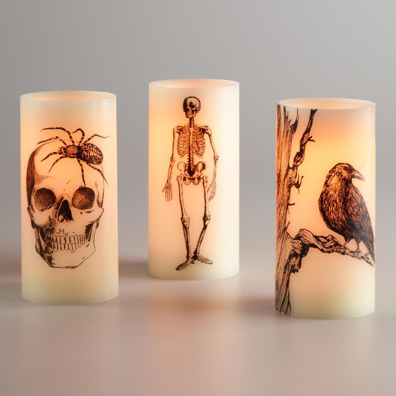 halloween-themed-candles