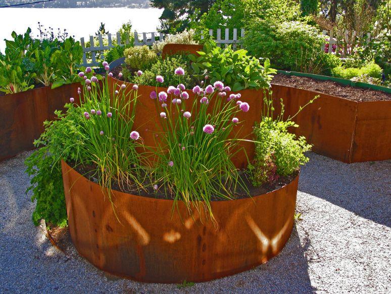 Beautiful spiral corten planter