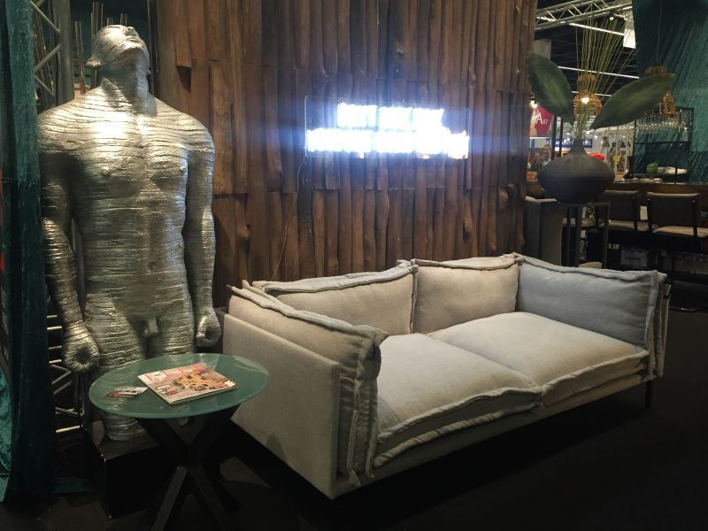 Masculine Furniture for a Man Cave Decor and a Closer Look