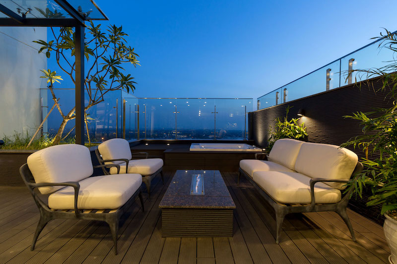 Penthouse Ecopark terrace lounge