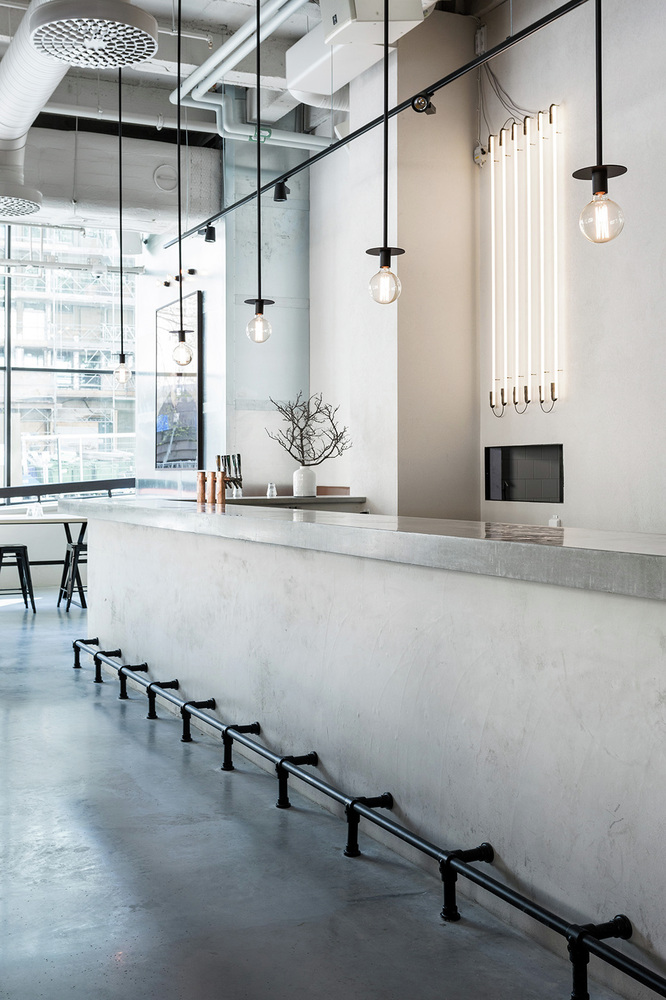Uzine restaurant concrete countertop