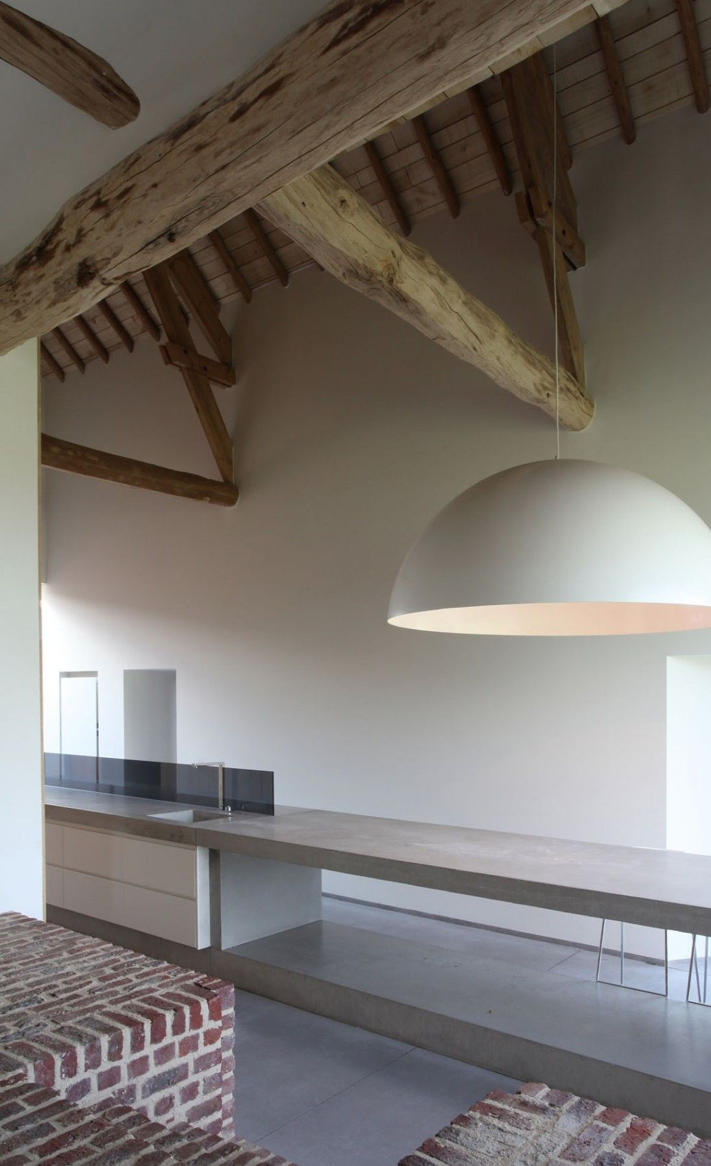beautiful single family home in Gaasbeek concrete top table