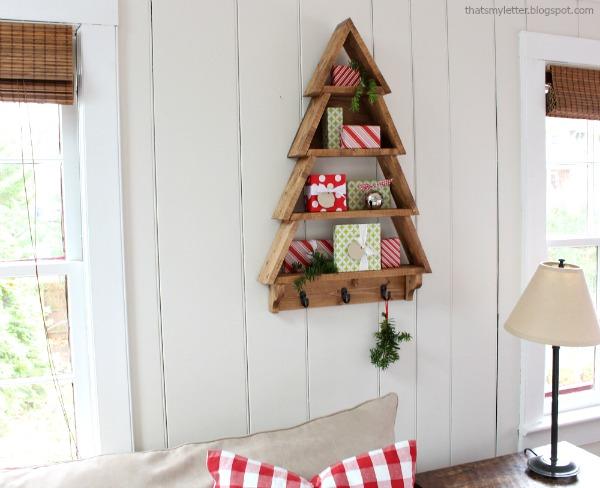 Christmas tree-shaped shelving unit