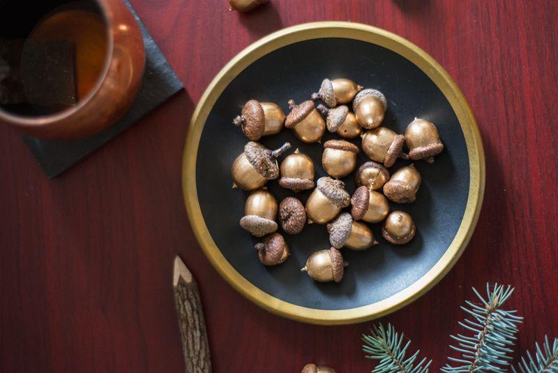 Gold leaf Acorns