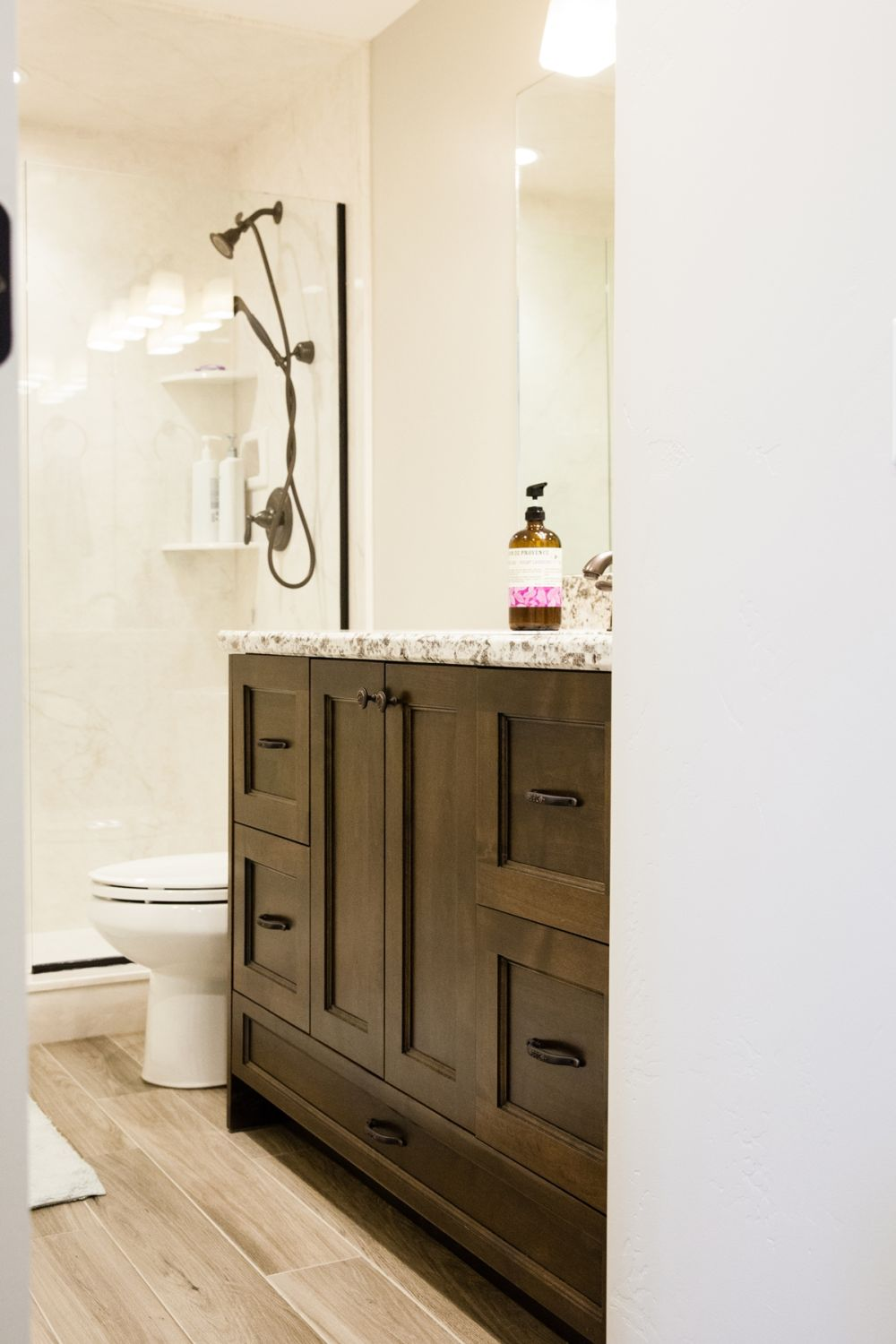 Decorate A Bathroom How To Decorate A Bathroom Without Clutter