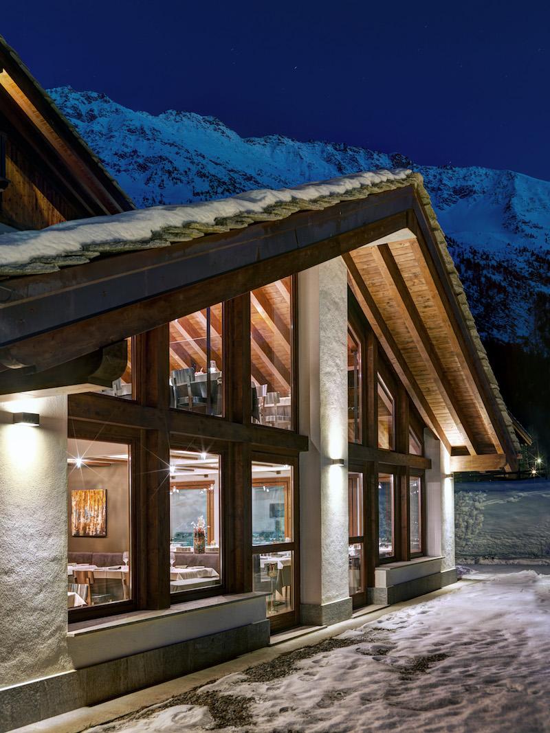 Nira Montana hotel facade and roof