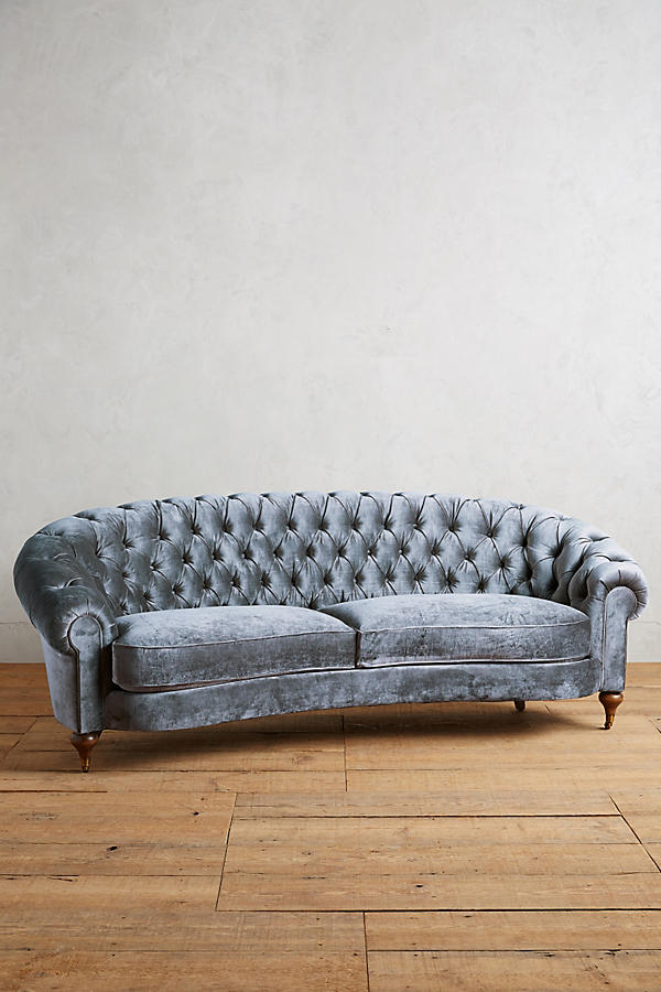 tufted sofa leather large canopy daybed outdoor wicker sun lounge 10 velvet sofas to put in your living room immediately