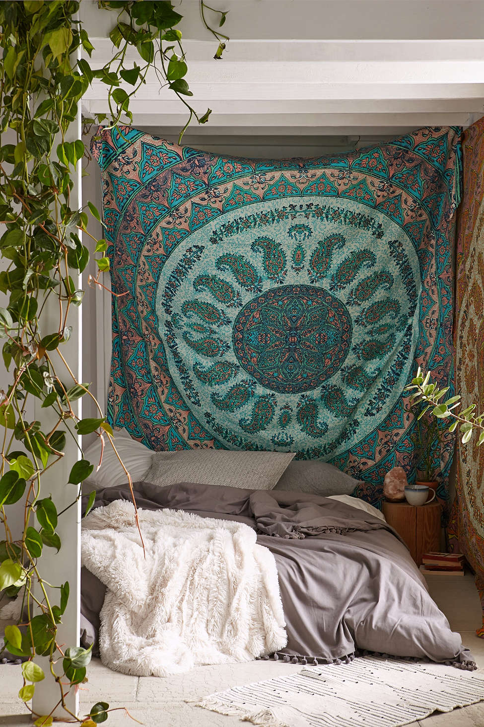Bohemian bed by Cinova Busnelli