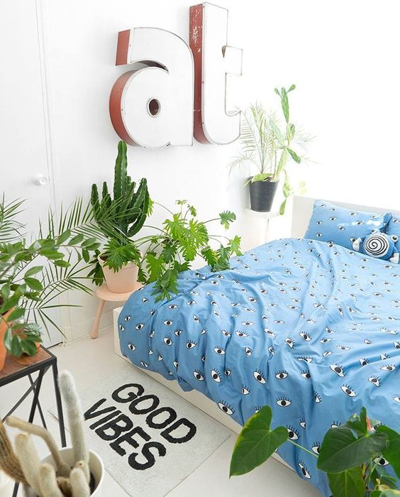 Boho bedroom plants