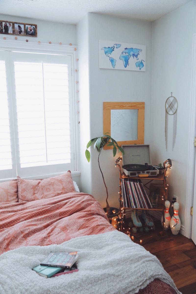 Boho bedroom turn table