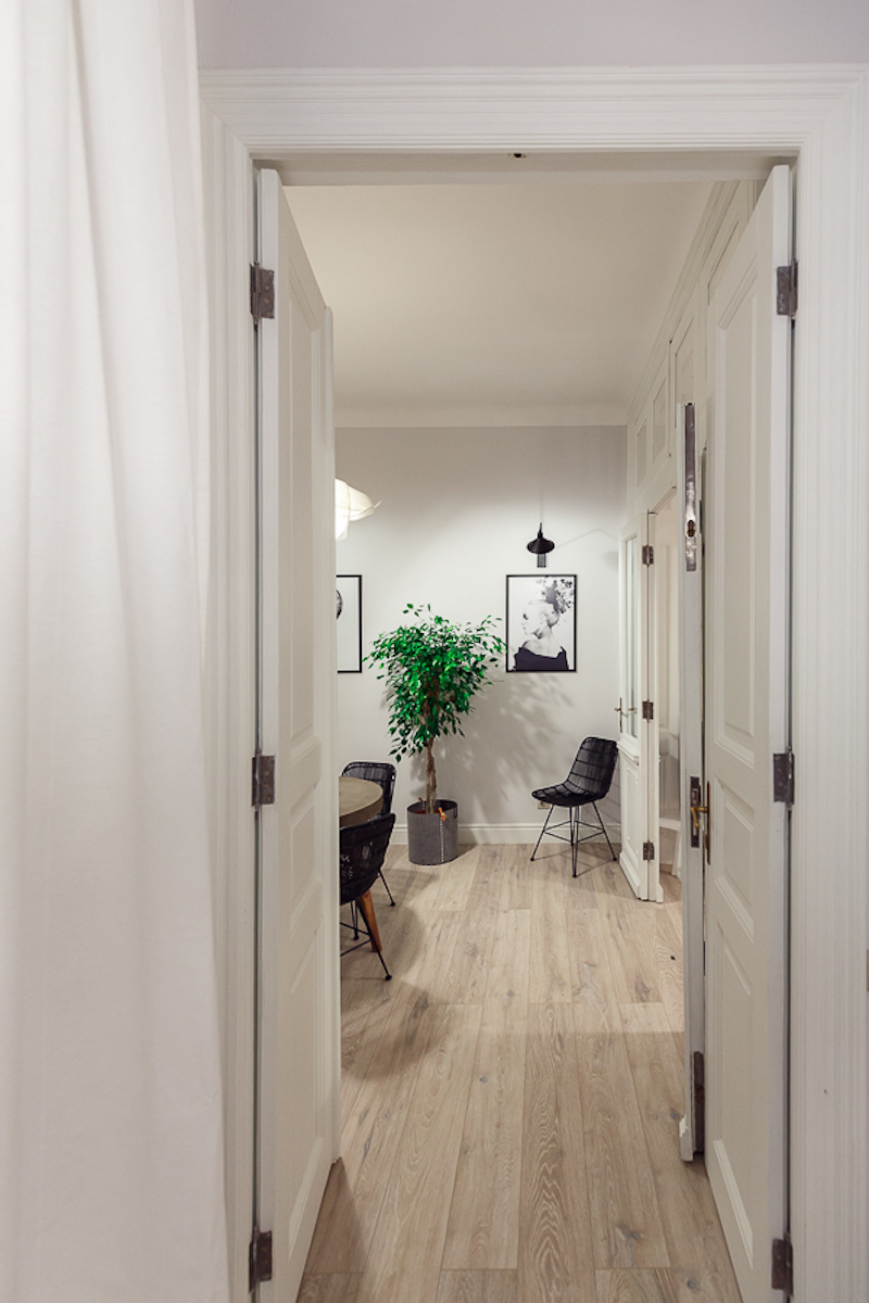 Poem Boem apartment reconditioned doors