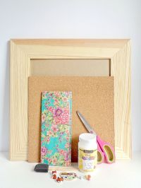 DIY Wooden Framed Cork Board