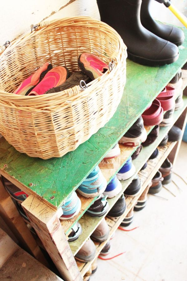 Diy Shoe Storage Shelves Garage Easy Fast And