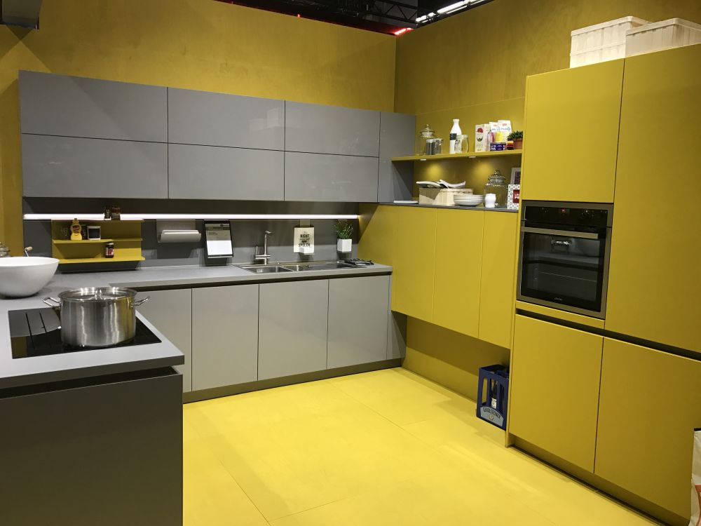 Yellow Kitchen Cabinets Veterinariancolleges