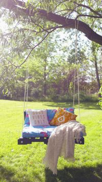 Pallet Swing Ideas - The Perfect Summer DIY