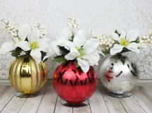 Christmas Ornament Floral Table Decor images 0