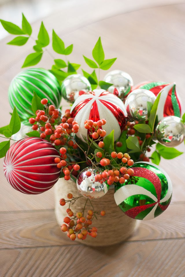 Fascinating! A Bunch Of Christmas Flower Arrangements Infused With Holiday Charm