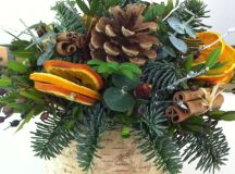 A Bunch of Christmas Flower Arrangements Infused With Holiday Charm images 5
