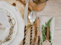 15 Christmas Table Settings to Win You Best Host images 12