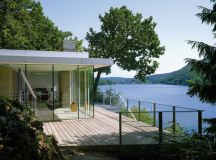10 Waterfront Properties That Speak Nature's Language images 16