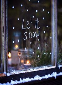 12 Christmas Window Decorations for Every Home