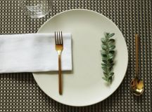 Simplify Your Holidays: Easy & Gorgeous Christmas Table Settings images 22