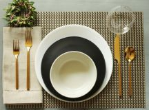 Simplify Your Holidays: Easy & Gorgeous Christmas Table Settings images 20
