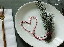 Simplify Your Holidays: Easy & Gorgeous Christmas Table Settings images 17