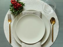 Simplify Your Holidays: Easy & Gorgeous Christmas Table Settings images 11