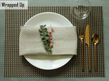 Simplify Your Holidays: Easy & Gorgeous Christmas Table Settings images 3