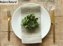 Simplify Your Holidays: Easy & Gorgeous Christmas Table Settings images 1