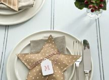 15 Christmas Table Settings to Win You Best Host images 2