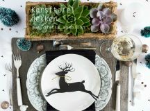 A Bunch of Christmas Flower Arrangements Infused With Holiday Charm images 7