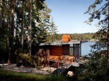 10 Waterfront Properties That Speak Nature's Language images 3