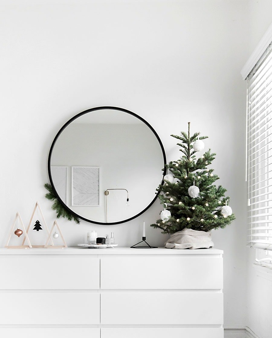 Fascinating! 12 Tips For Decorating Your Small Apartment For Christmas